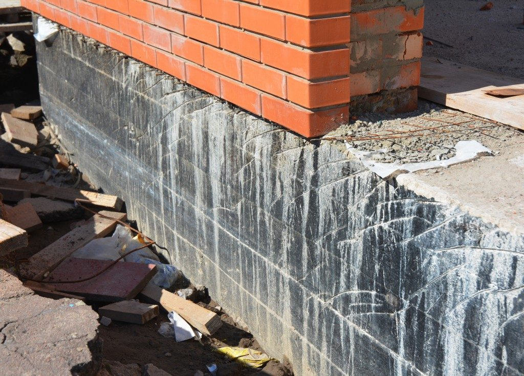 Waterproofing foundation walls