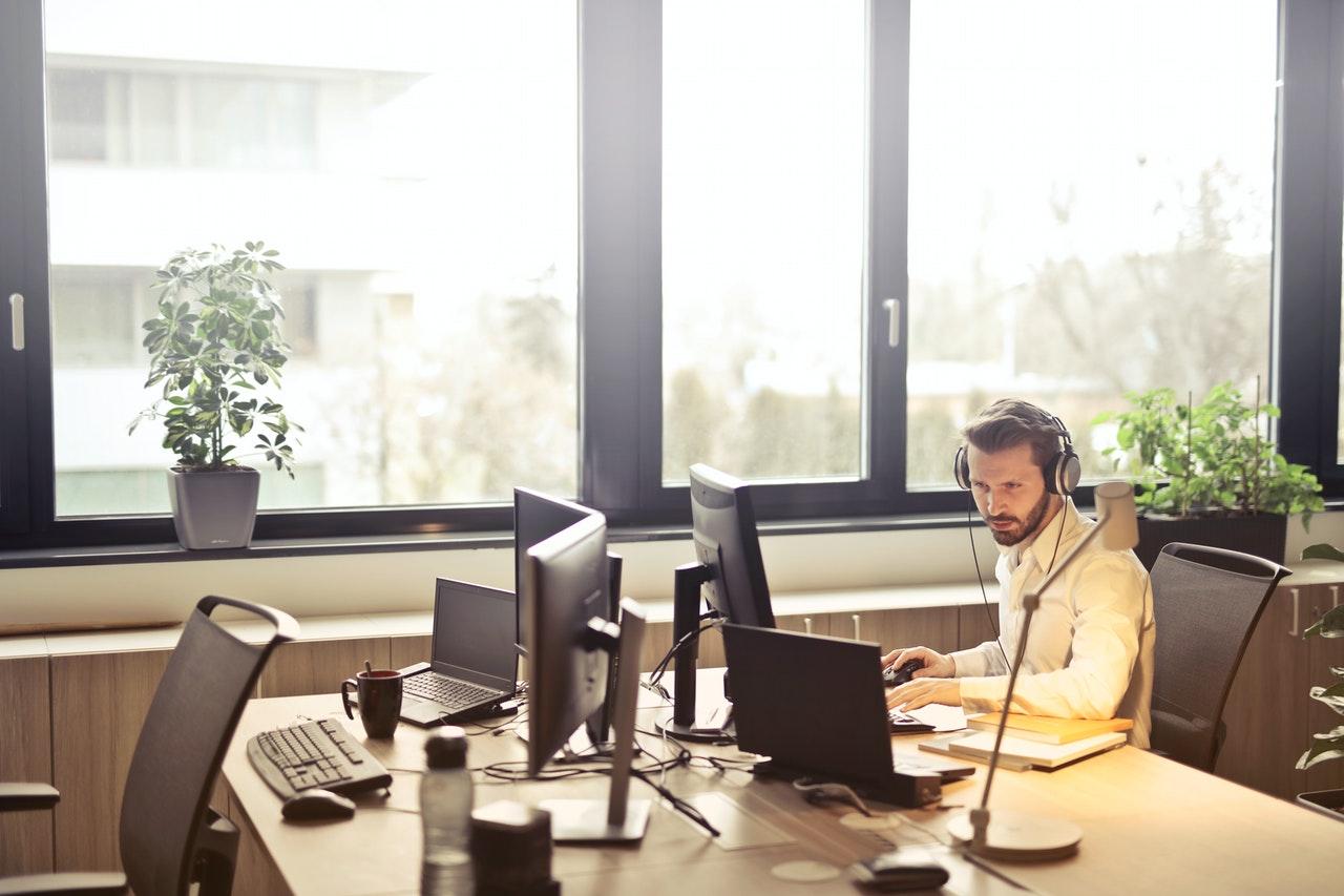 outsourced customer service representative